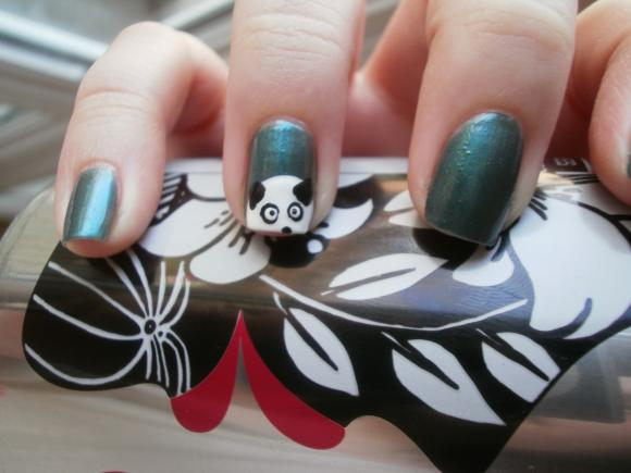 http://titebestiole.cowblog.fr/images/NailAddicted/P32500012.jpg